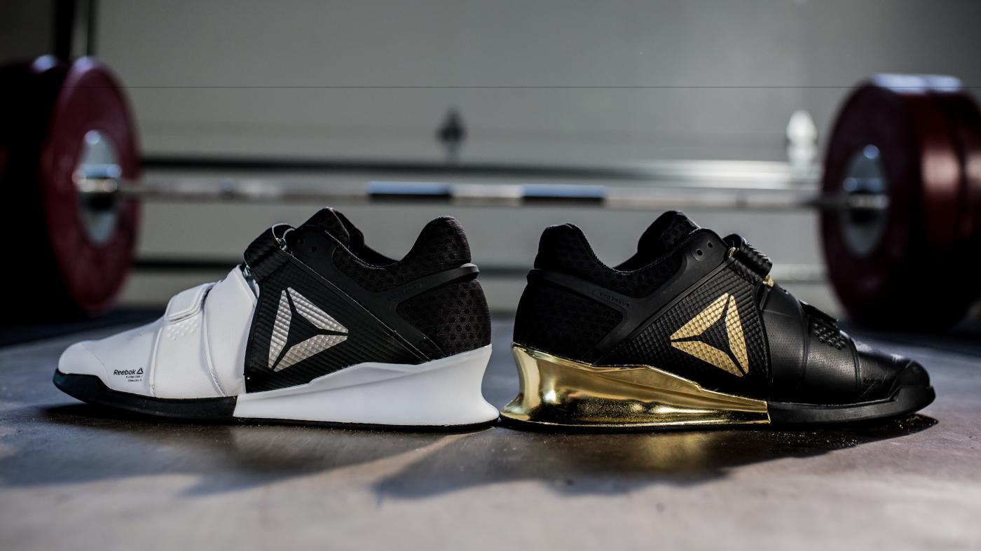 Tyto boty vzpírání jsou inspirovány a také vytvořeny mladým nadaným  vzpěračem CJ Cummingsem 0ad351f054