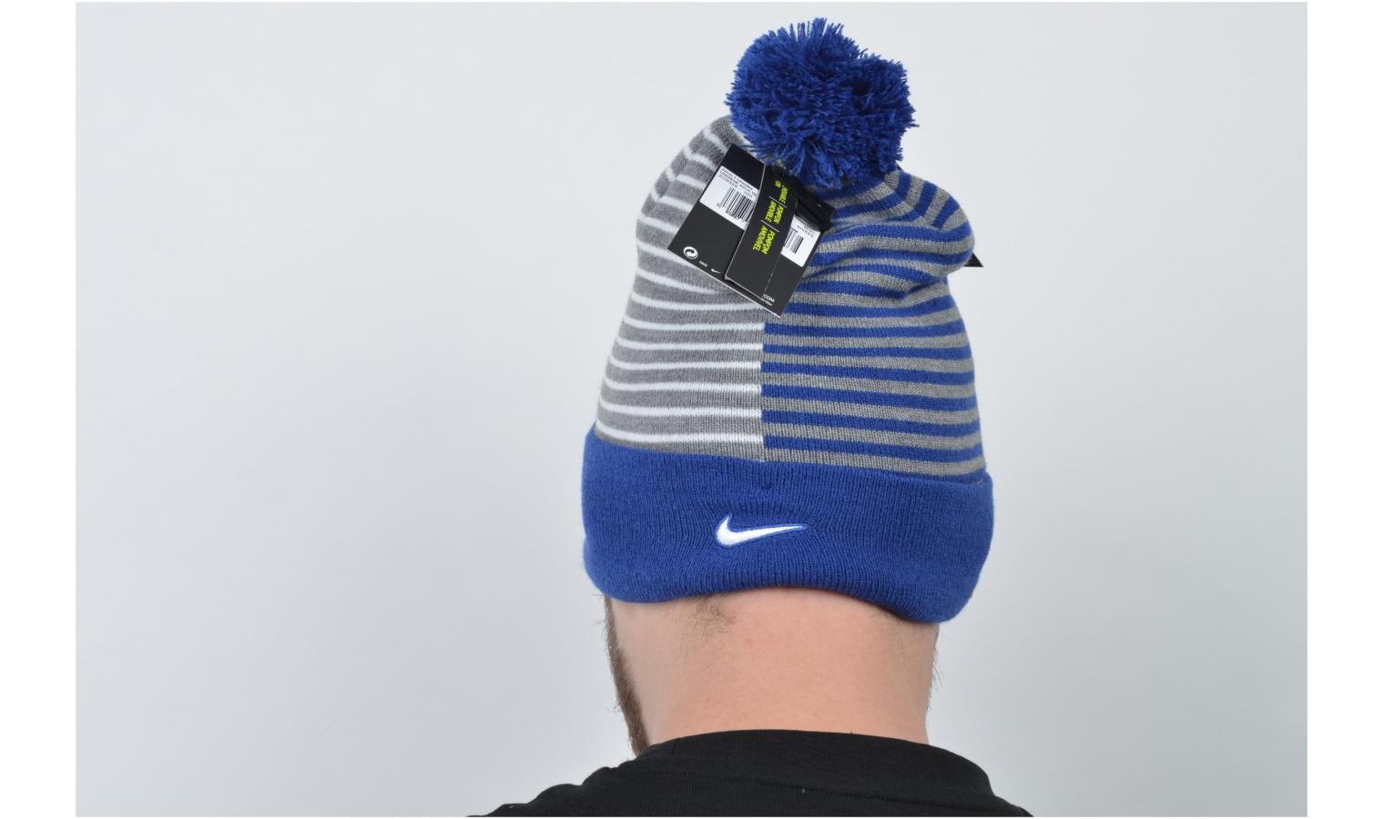 f737dff4802 Čepice Nike CFC BEANIE STRIPE KNIT modrá